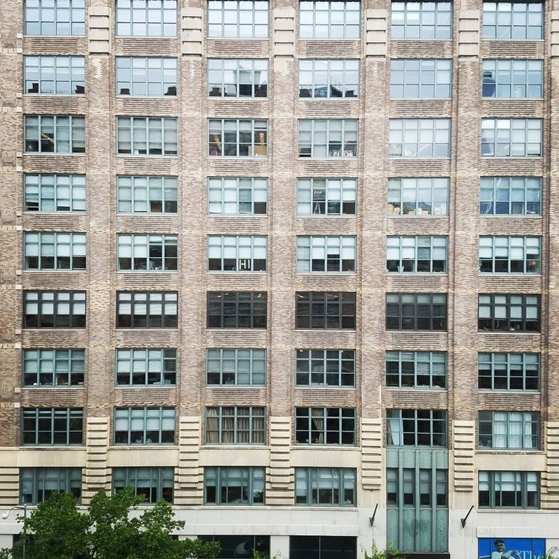 Two Buildings Were Having an Epic Post-It War Until This Happened (8)