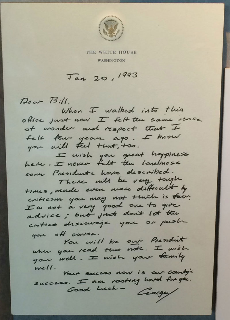 Before He Left Office Bush Sr Left This Touching Letter for Bill Clinton (2)