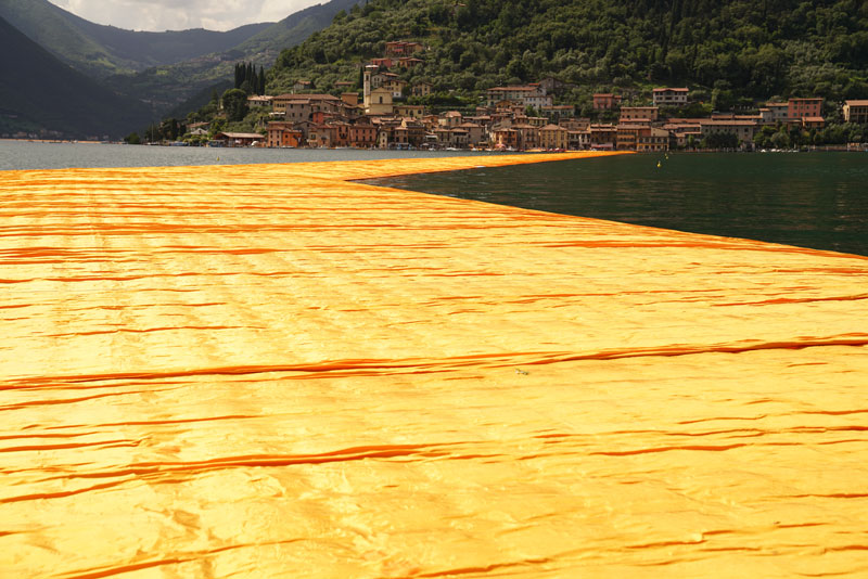 CHRISTO AND JEANNE-CLAUDE FLOATING PIERS LAKE ISEO ITALY (15)
