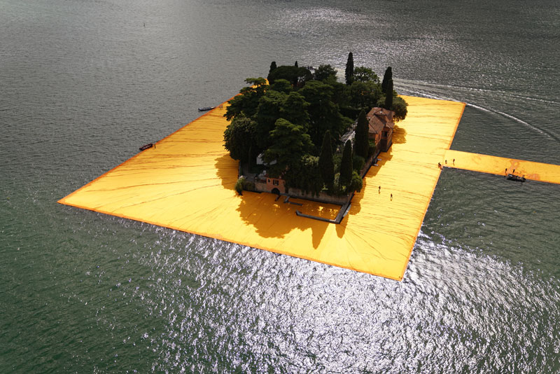 CHRISTO AND JEANNE-CLAUDE FLOATING PIERS LAKE ISEO ITALY (16)