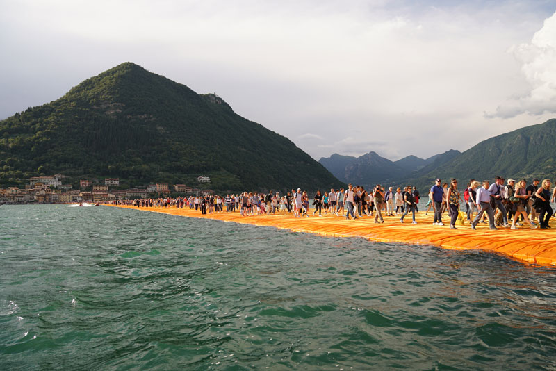 CHRISTO AND JEANNE-CLAUDE FLOATING PIERS LAKE ISEO ITALY (23)