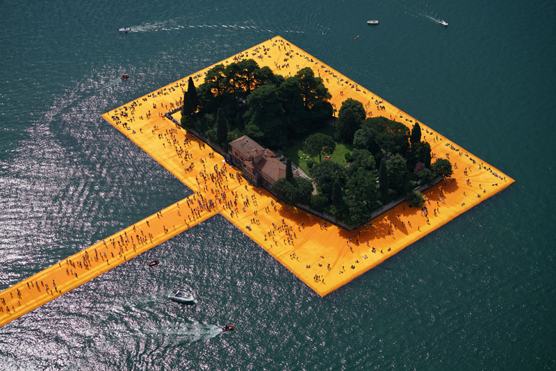 CHRISTO AND JEANNE-CLAUDE FLOATING PIERS LAKE ISEO ITALY (5)