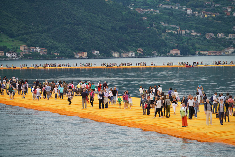 CHRISTO AND JEANNE-CLAUDE FLOATING PIERS LAKE ISEO ITALY (9)