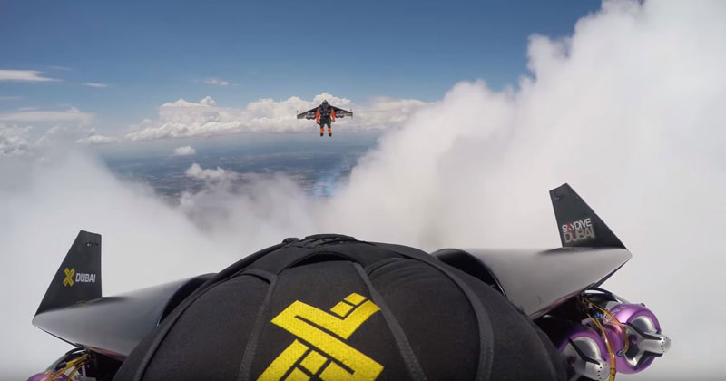 Playing With Clouds – Jetman 4K