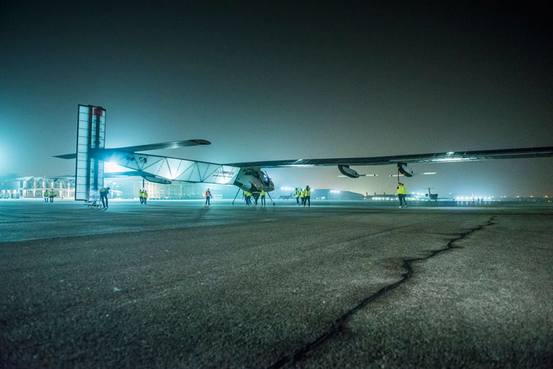 solar impulse Plane circumnavigates globe Without single Drop of Fuel (1)