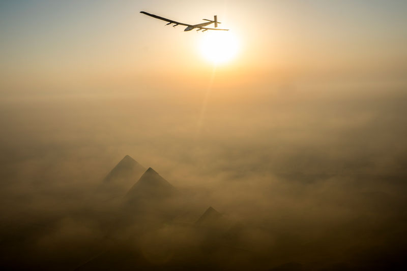 solar impulse Plane circumnavigates globe Without single Drop of Fuel (20)
