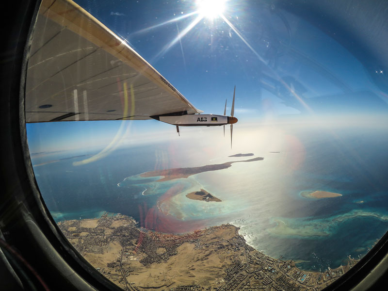 solar impulse Plane circumnavigates globe Without single Drop of Fuel (23)