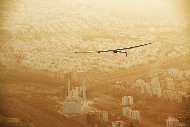 solar impulse Plane circumnavigates globe Without single Drop of Fuel (8)