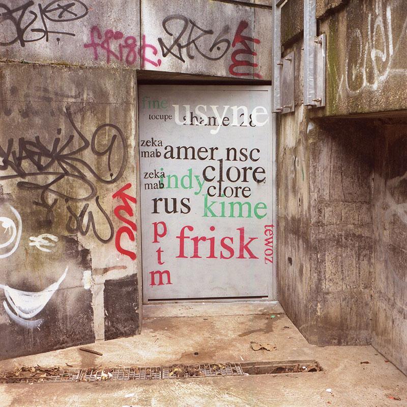 Street Artist Mathieu Tremblin Makes Graffiti Legible By Rewriting Them in Plain Text (3)