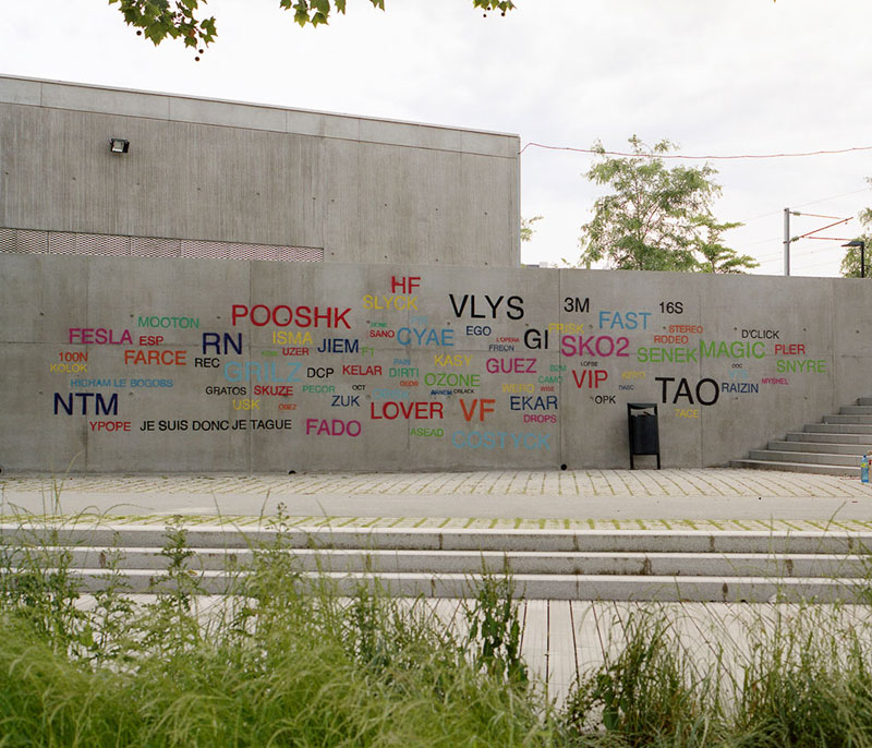 Street Artist Mathieu Tremblin Makes Graffiti Legible By Rewriting Them in Plain Text (7)