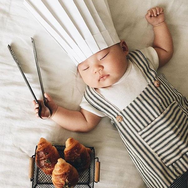 baby dress up costumes while she sleeps by laura izumikawa (4)