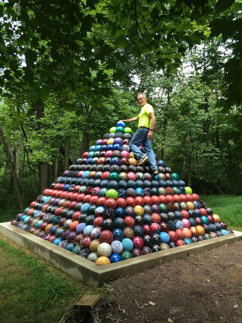 bowling ball pyramid reddit Picture of the Day: 1,785 Bowling Ball Pyramid