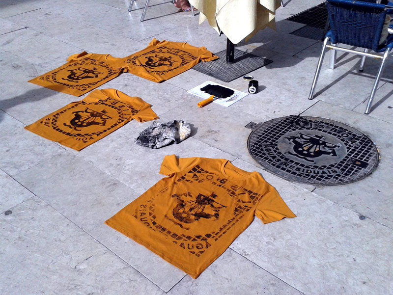 Raubdruckerin Guerilla Printing Manhole Covers Onto Shirts and Bags (2)