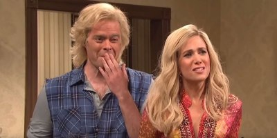 9 Glorious Minutes of the SNL Cast BreakingCharacter