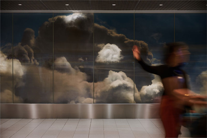 beyond by daan roosegaarde schiphol airport netherlands 4 Artist Unveils Worlds Largest Lenticular Print at Schiphol Airport