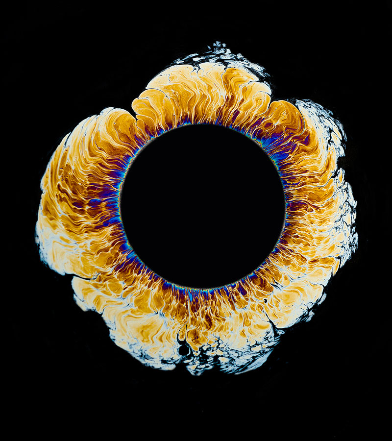 High Speed Photos of Oil Dropped Into Water Look Like Surreal Eyes by fabian oefner (5)