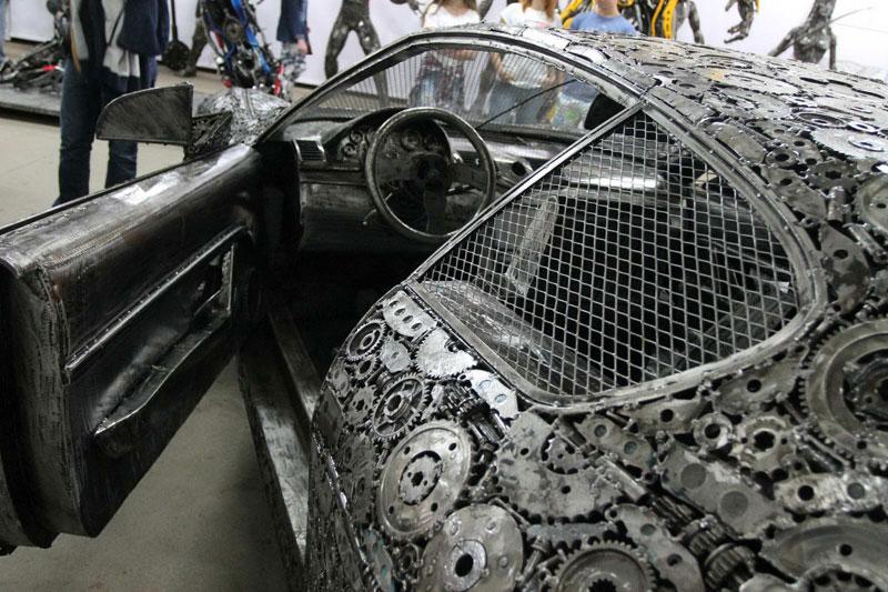 scrap metal supercars gallery of steel figures pruszkow poland 8 Scrap Metal Supercars (12 Photos)