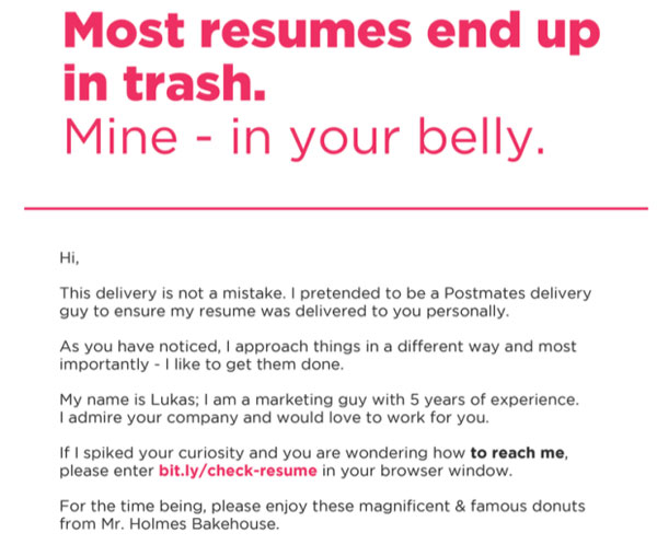 guy pretends to be food courier and hand delivers resume 2 Guy Pretends to be a Food Courier and Hand Delivers His Resume
