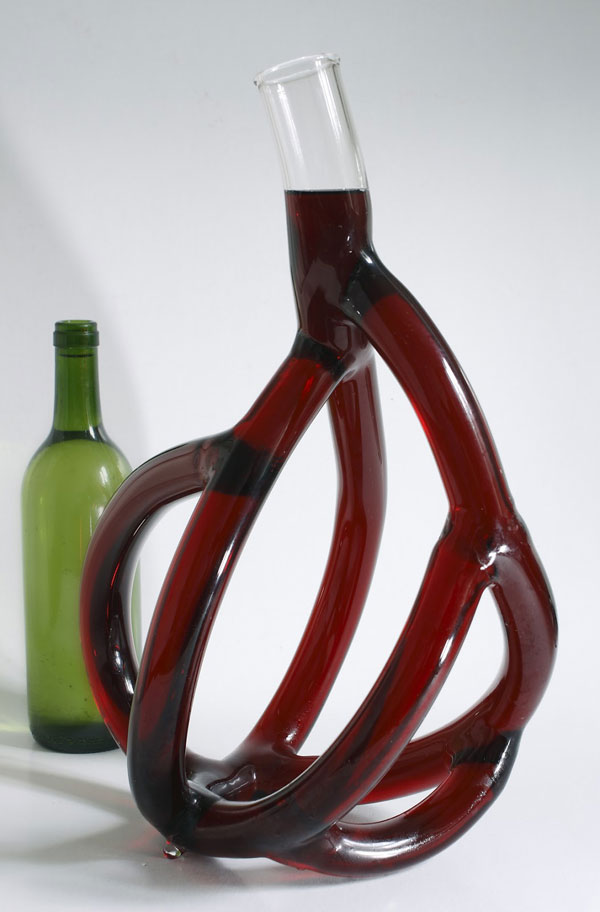 hand blown glass wine decanters by etienne meneau 2 Etienne Meneaus Hand Blown Glass Wine Decanters Look Like Tree Roots