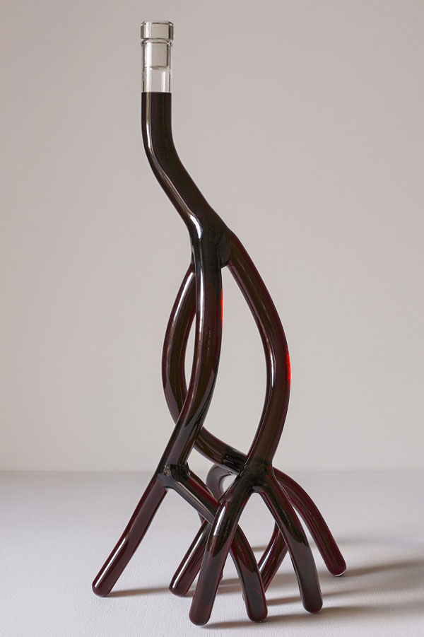 hand blown glass wine decanters by etienne meneau 6 Etienne Meneaus Hand Blown Glass Wine Decanters Look Like Tree Roots