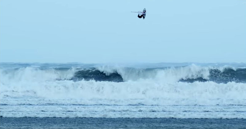 hurricane-windsurfing-red-bull-storm-chase