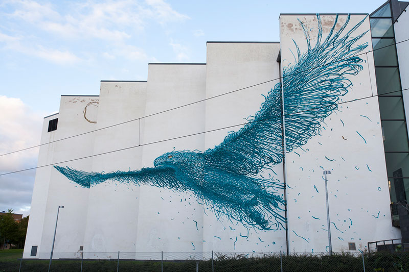 bird-street-art-by-daleast-in-boras-sweden-2015-covertwistedsifterbird-street-art-by-daleast-in-boras-sweden-2015picture of the day buttontwistedsifter-on-facebook