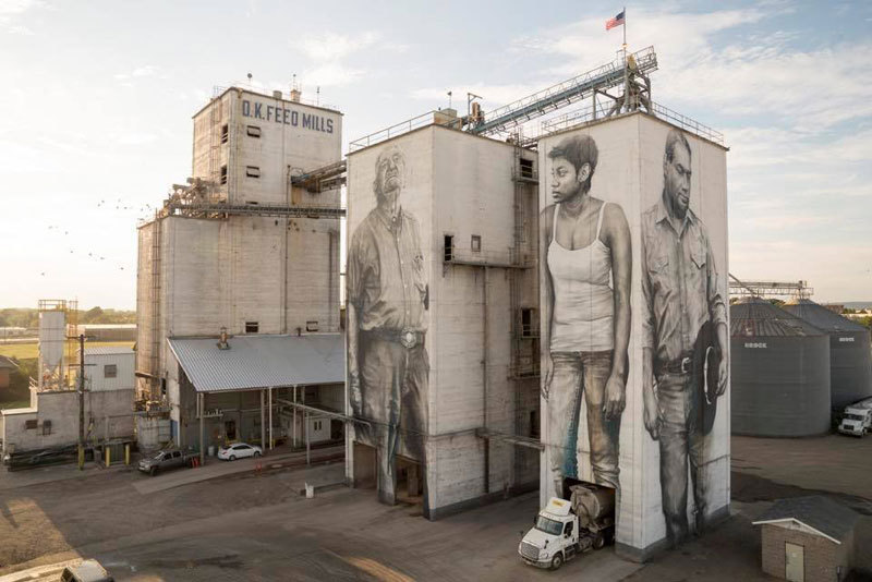guido van helten street art 10 Colossal Humans by Guido Van Helten (12 Artworks)