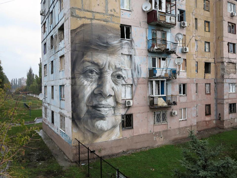 guido van helten street art 12 Colossal Humans by Guido Van Helten (12 Artworks)