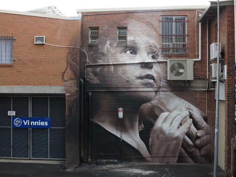guido van helten street art 2 Colossal Humans by Guido Van Helten (12 Artworks)