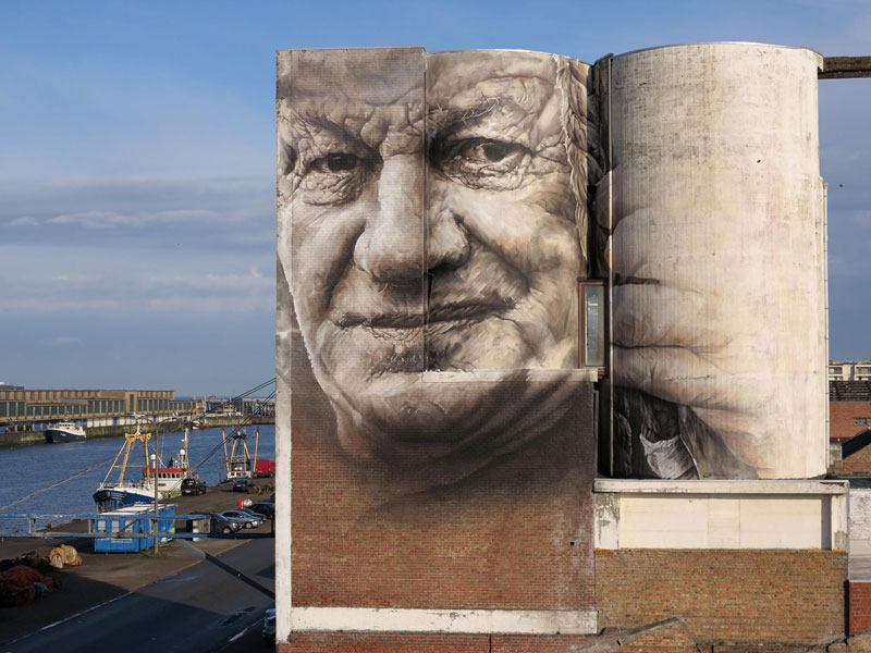 guido van helten street art 7 Colossal Humans by Guido Van Helten (12 Artworks)