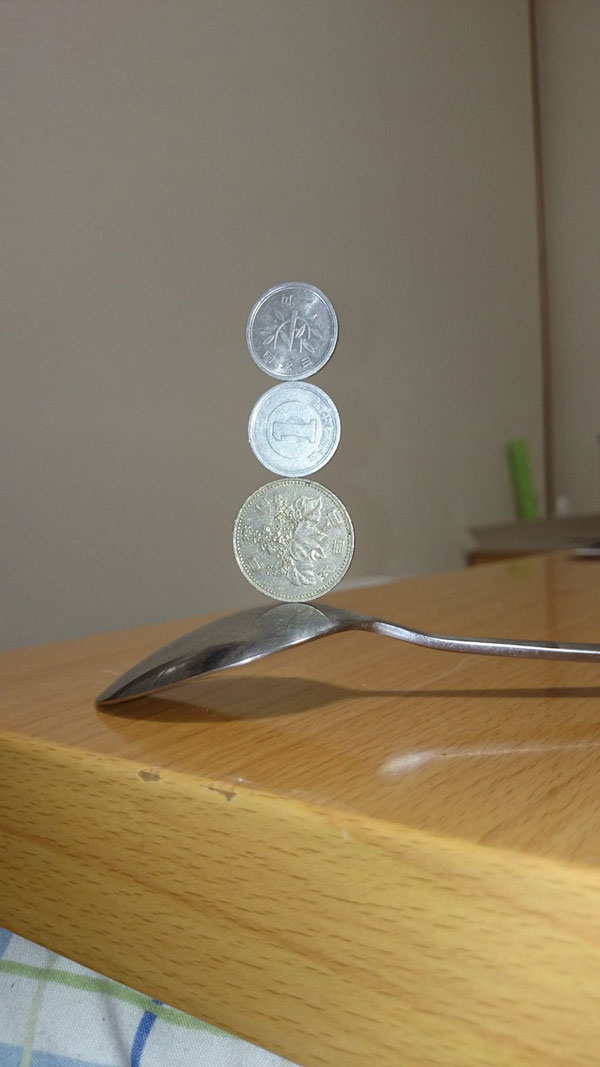 amazing coin stacking by thumb tani on twitter 12 Next Level Coin Stacking by @Thumb Tani