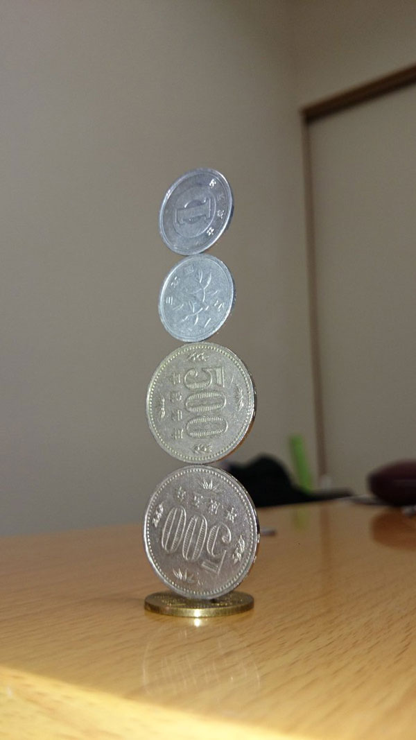 amazing coin stacking by thumb tani on twitter 13 Next Level Coin Stacking by @Thumb Tani
