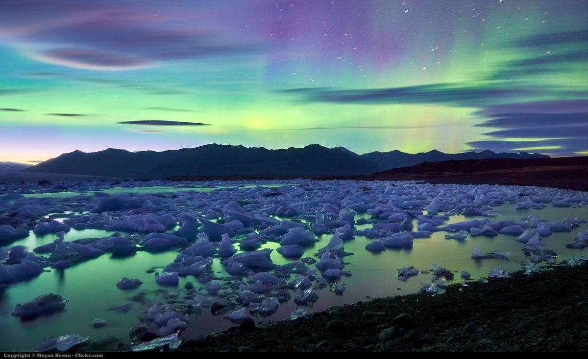 aurora borealis over jokulsarlon glacier lagoon iceland 1 Picture of the Day: Aurora Borealis Over Icelands Jokulsarlon Glacier Lake