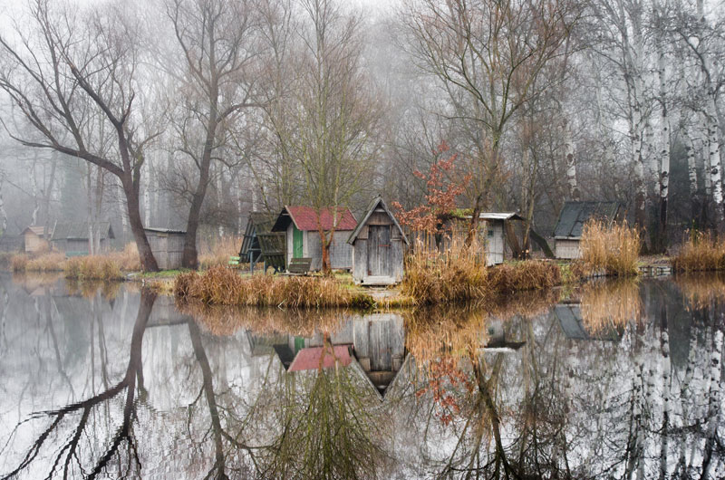 This Hungarian Fishing Lake Looks Frozen in Time (11 Photos)