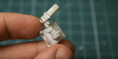 Guy Builds Miniature Single-Cylinder Engine Out of Paper and Revs It Up