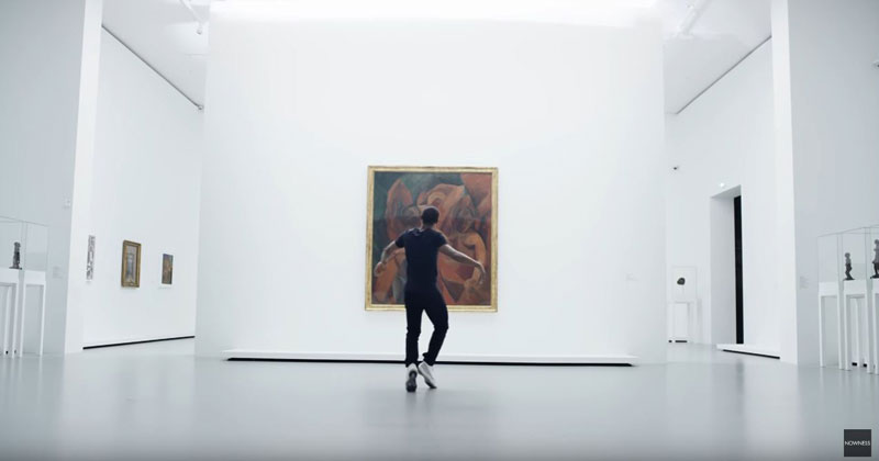 When Performance Art Meets VisualArt
