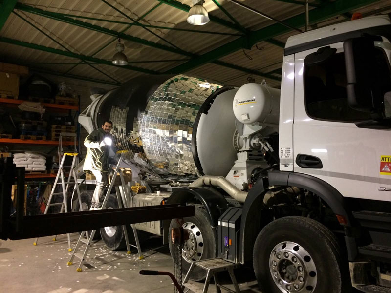 disco ball concrete mixer by benedetto bufalino 2 Disco Ball Concrete Mixer Wants to Party Hard