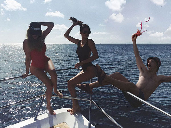 guy photoshops himself into kendall jenner instagram pics 8 This Guy Cant Stop Photoshopping Himself Into Kendall Jenners Instagram Pics