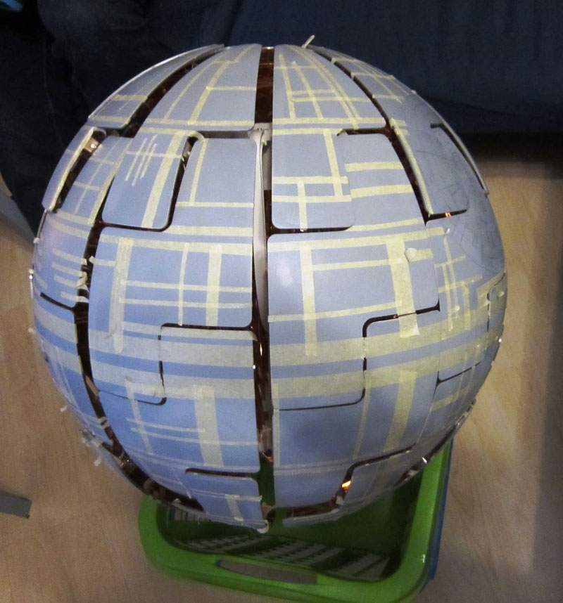 ikea death star lamp diy 5 Star War Fans Turn Popular IKEA Lamp Into Death Star
