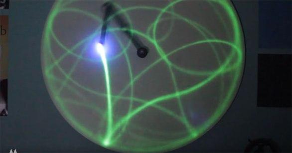 double-pendulum-chaotic-movement