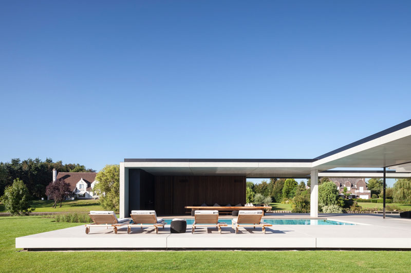 residence vdb by govaert and vanhoutte architects 18 This Guy Built His Dream Bachelor Pad With an Underground Club