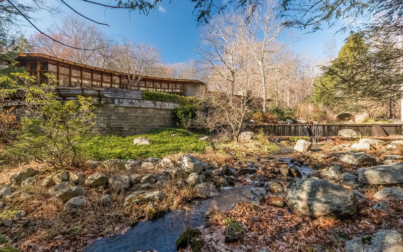 Frank Lloyd Wright's One-of-a-Kind Hemicycle House Goes on Sale