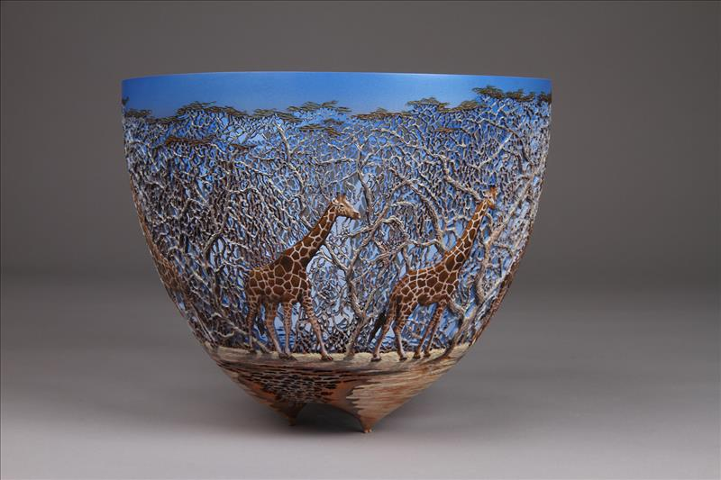 hand carved wooden bowls by gordon pembridge 1 This Artist Hand Carves Wooden Bowls Inspired by His Kenyan Roots