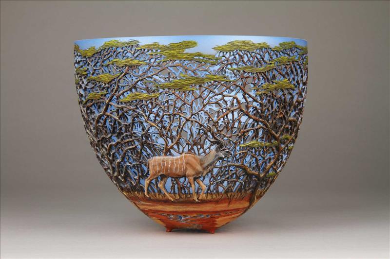 hand carved wooden bowls by gordon pembridge 5 This Artist Hand Carves Wooden Bowls Inspired by His Kenyan Roots