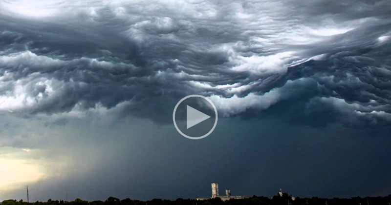Incredible Timelapse Captures Ocean-Like Waves in the Sky