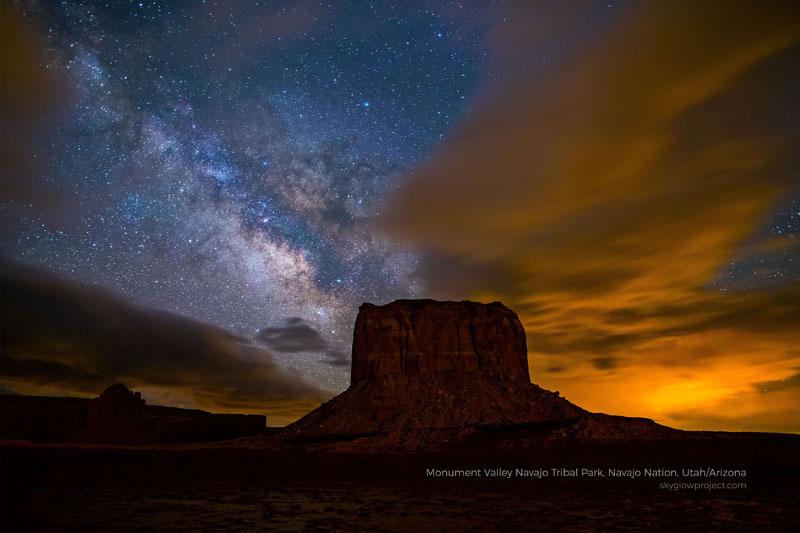 monument valley 2 skyglow desktop wallpapers In Search of Americas Darkest Skies (24 Photos)
