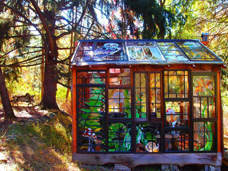 stained glass cabin by neile cooper 1 A Stained Glass Cabin in the Woods