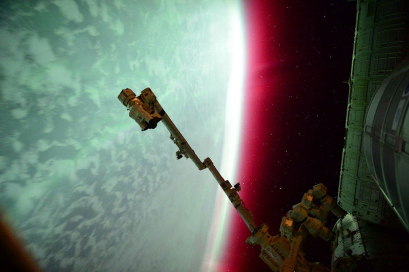33 best auroras nasa has ever featured 11 The 33 Best Aurora Photos NASA Has Ever Featured
