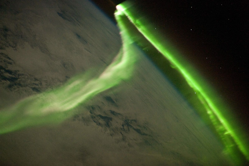 33 best auroras nasa has ever featured 24 The 33 Best Aurora Photos NASA Has Ever Featured