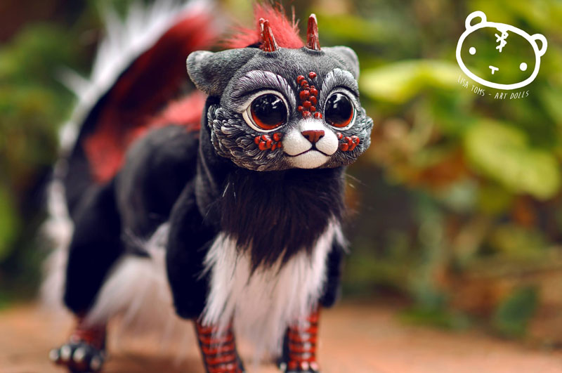 artist sculptor lisa toms dreams up creatures that dont live on our world 1 Sculptor Lisa Toms Dreams Up Creatures that Dont Live in Our World